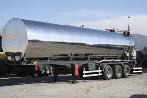 Перевозки опасных и наливных грузов в тентах